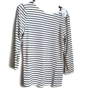 🎉H&M | White w/black stripes Fitted top